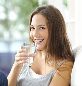 Bauchfett-Abnehmen-Wasser-trinken-288x300 Schnell abnehmen - In einer Woche ohne Jo-Jo-Effekt