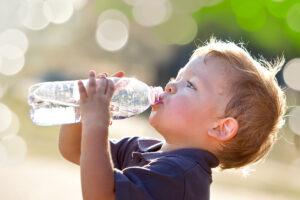 Wasser_trinken-abnehmen-300x200 Abnehmen kann jeder: die komplette Anleitung